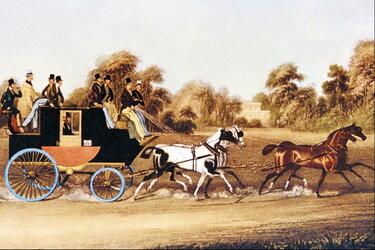 старинная повозка с лошадью