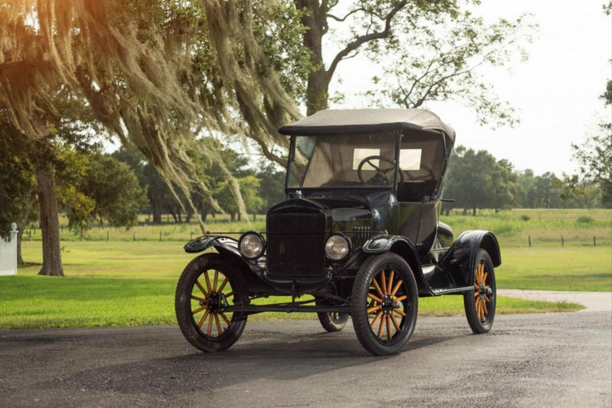 Картинки первого автомобиль