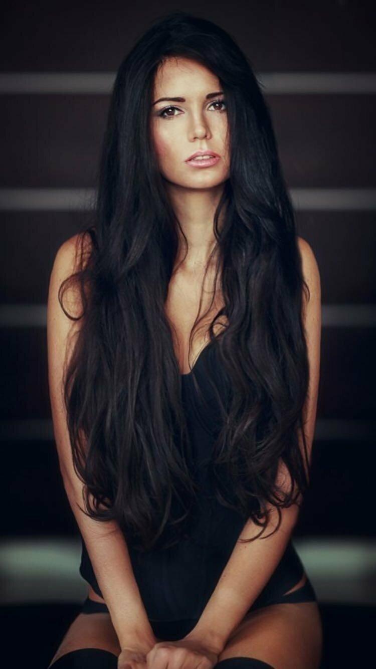 Девушки картинки черные волосы