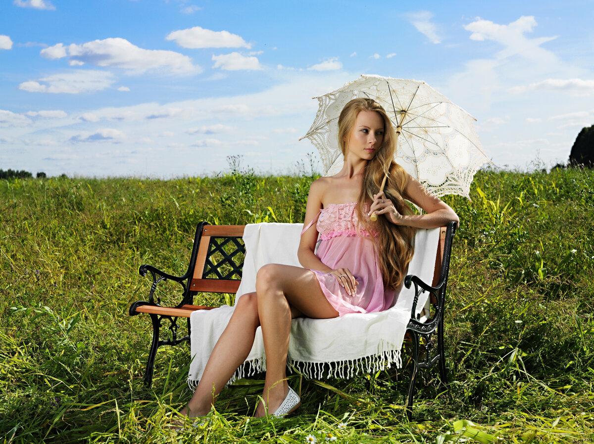 вас ассоциируется фотосессия с креслом на природе купить лиственные