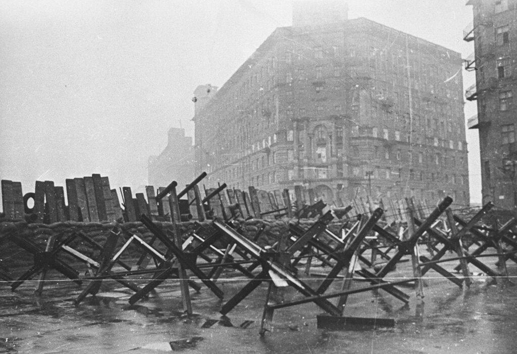 19 октября 1941 года Великая Отечественная война — в Москве объявлено осадное положение