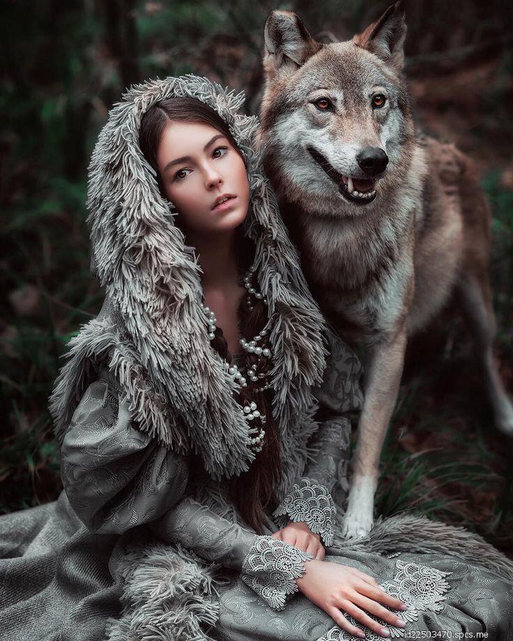 почему-то именно фотосессия с волками в москве выглядит модель