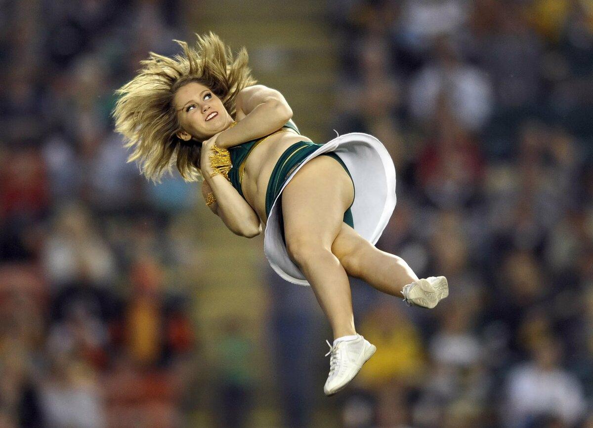 Смешные фото спортсменов в движении шутки-мемы про