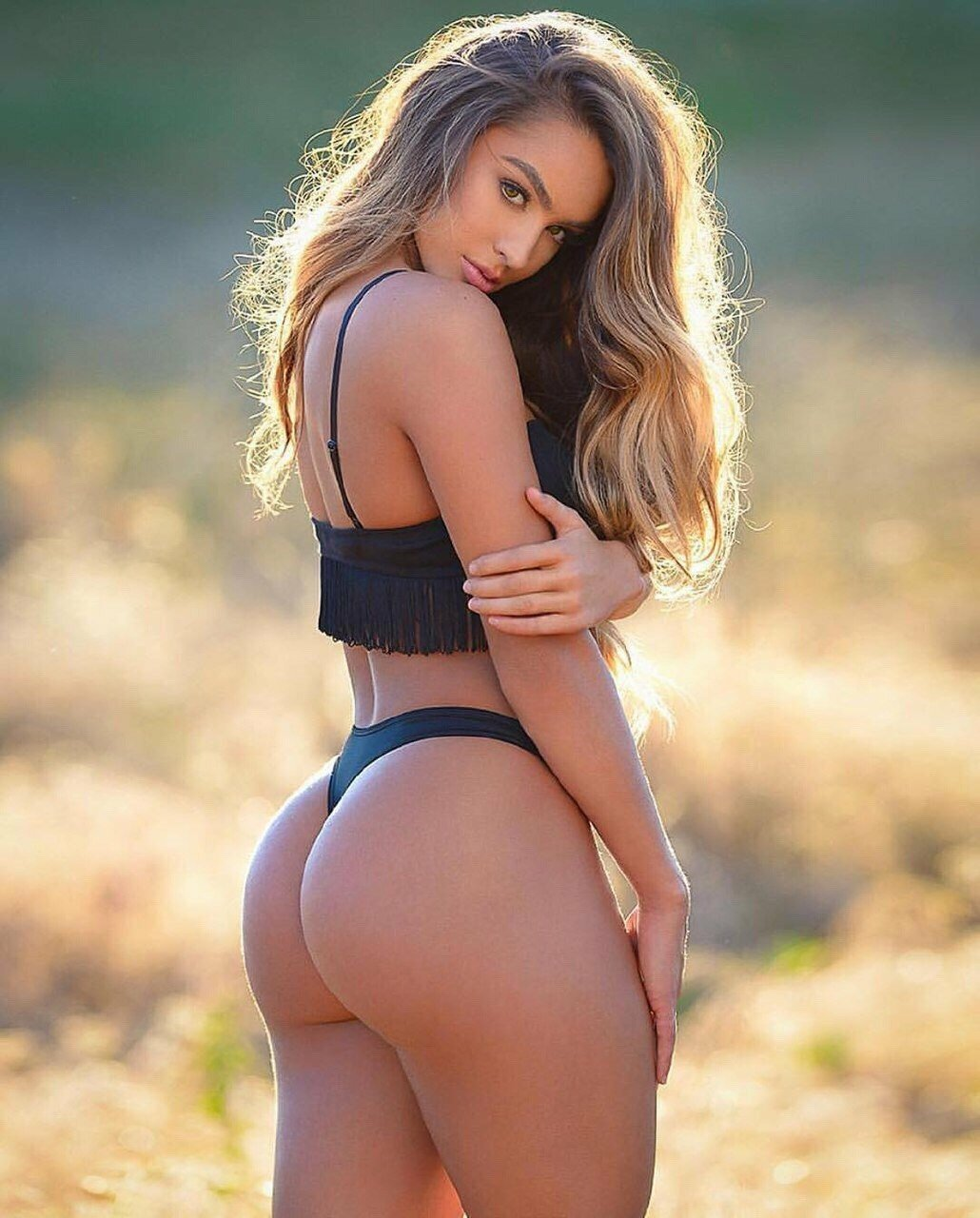 Booty babes pics