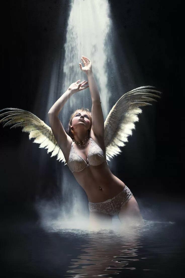 Картинки на телефон девушки ангелы