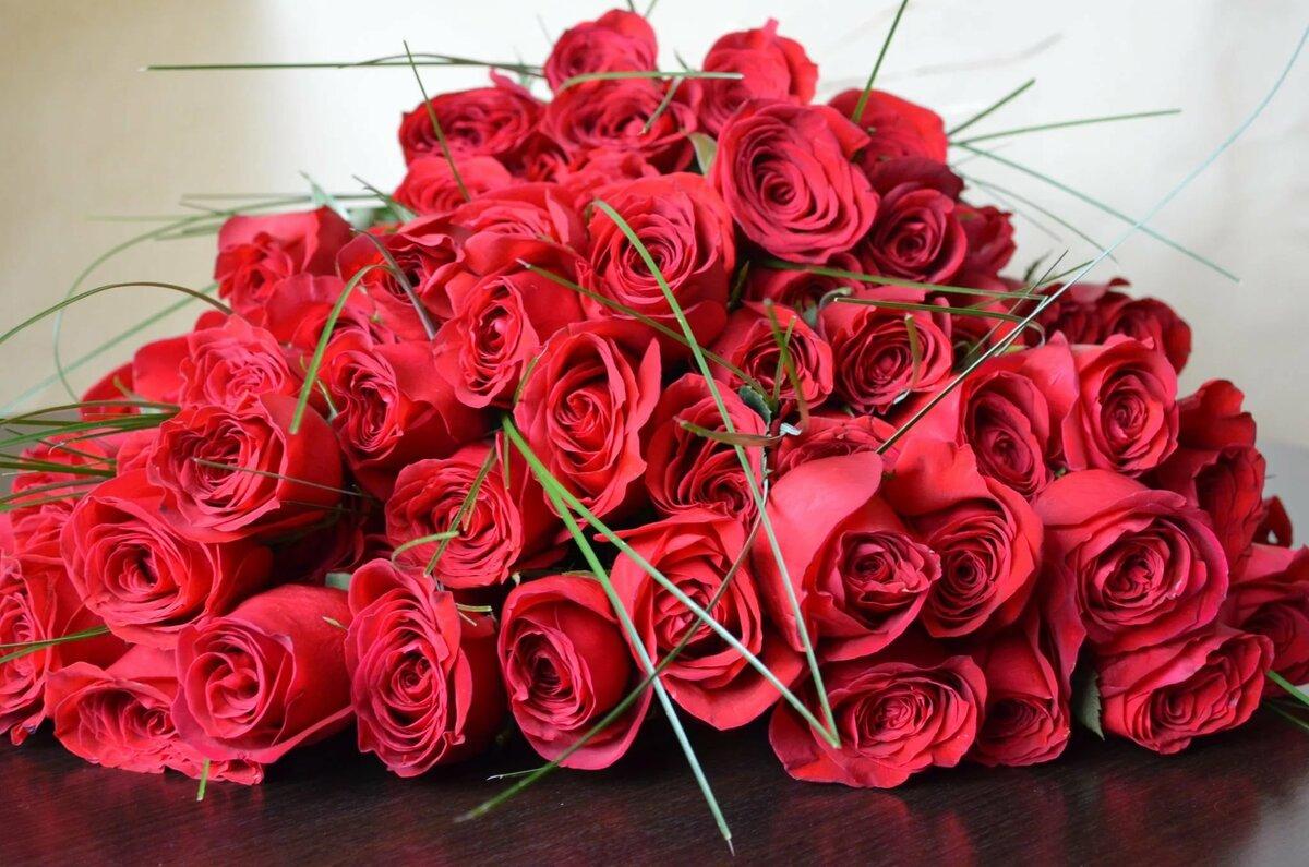 шикарнейший букет роз открытка вид
