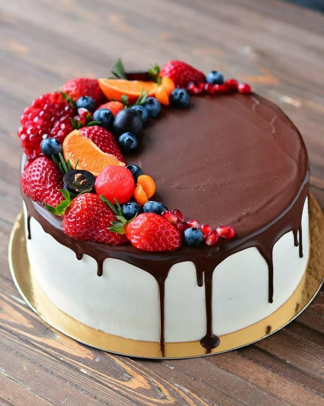 Ягодный торт картинка