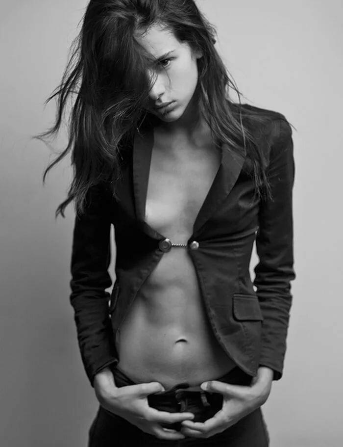 sexy-bikini-slim-skinny-petite-young-nude-girls-models-pussy-pics