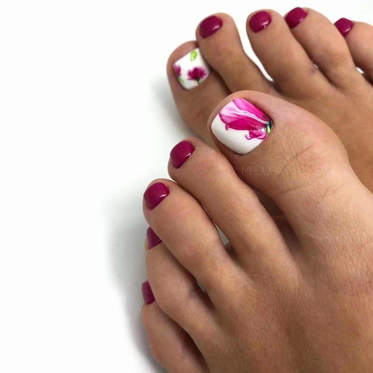 Картинки ногти на ногах гель лак