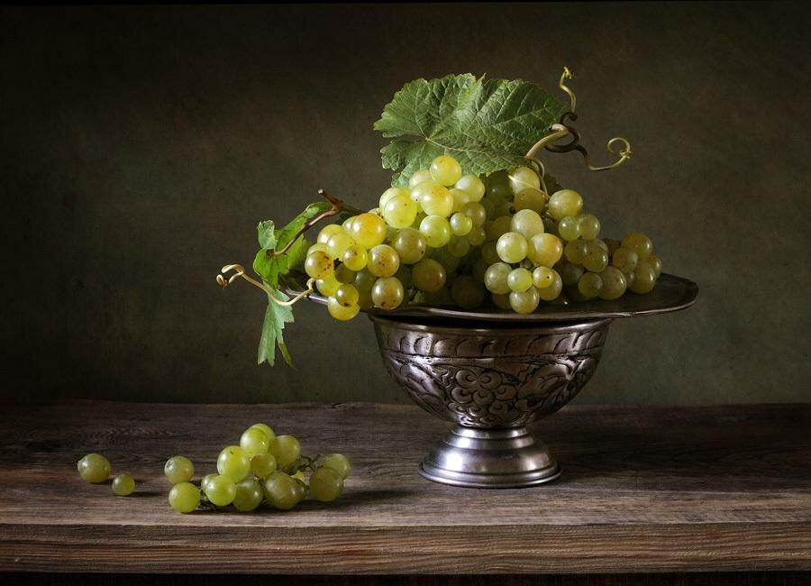 виноград на столе в вазе фото подготовили очень