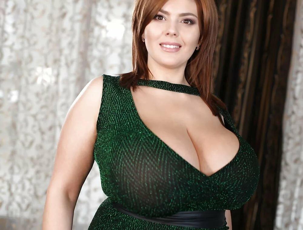 фото женщин с огромной грудью
