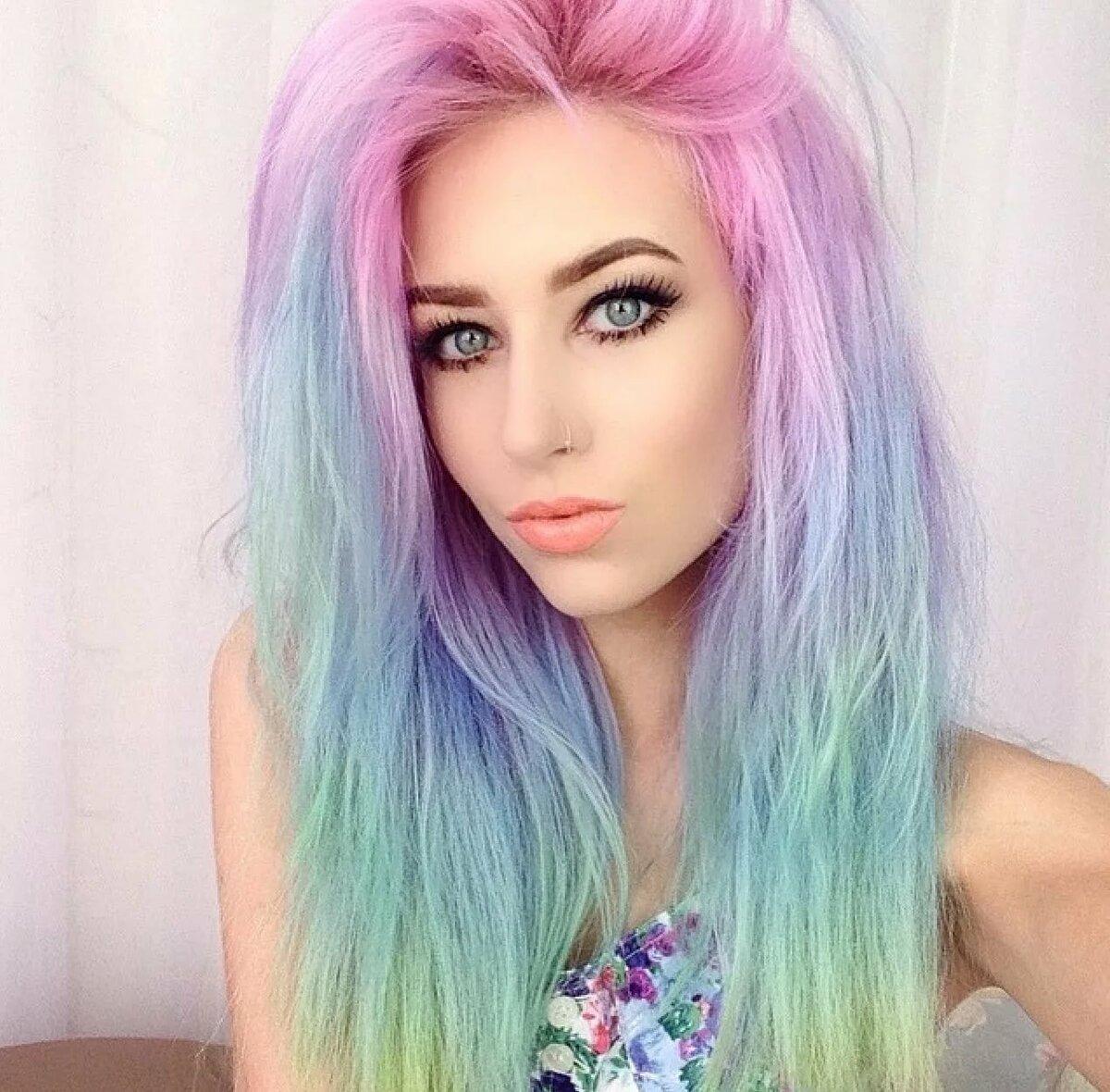 Красивые разноцветные девушки