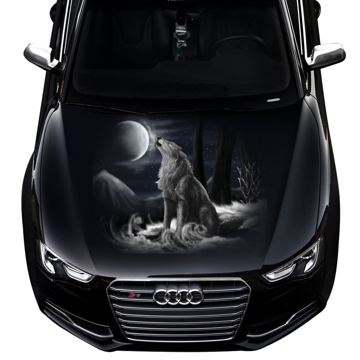 Картинка на капоте машины