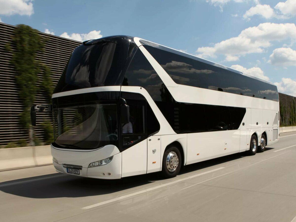 Фото белого автобуса