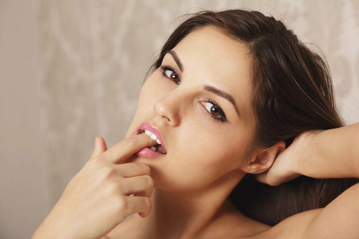 картинка пальчик у рта приятный вкус