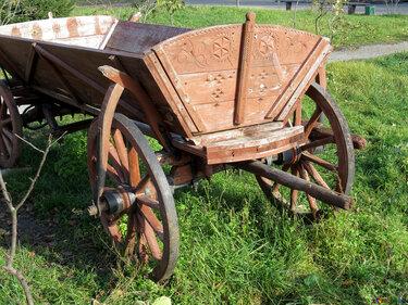 старинный конный телега