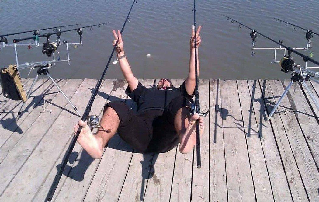 приколы на рыбалке умер уже давно