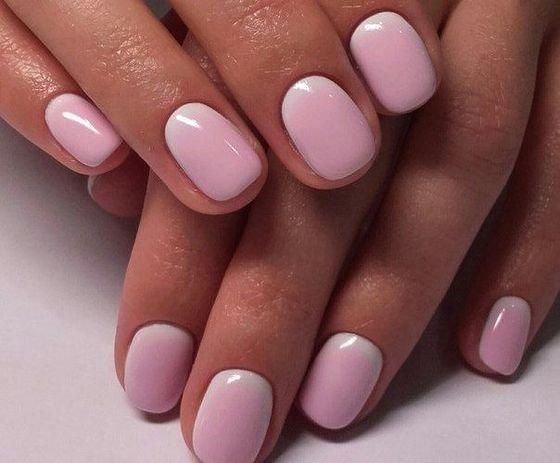 Розовый маникюр смотрится естественно и красиво как на коротких, так и на длинных ногтях с плавными  переходами