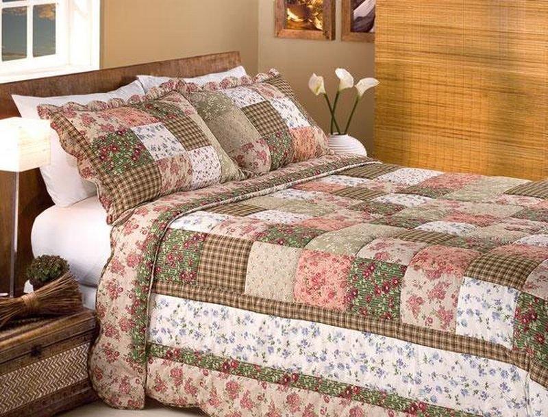 Покрывала на кровать в стиле пэчворк купить