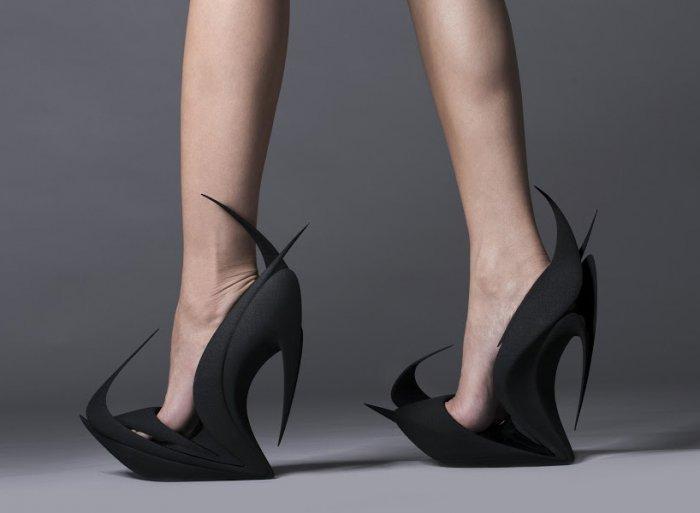 Новоизобретённая обувь от известных дизайнеров