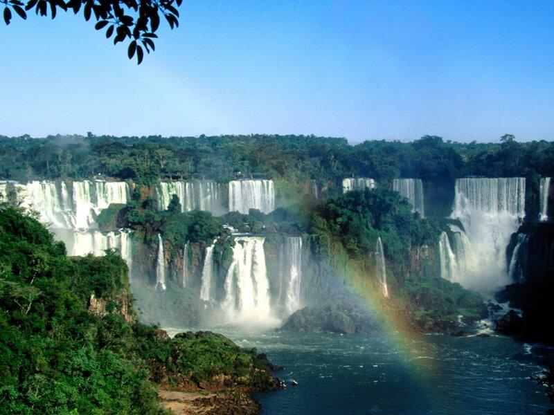 Природа Бразилии красочно
