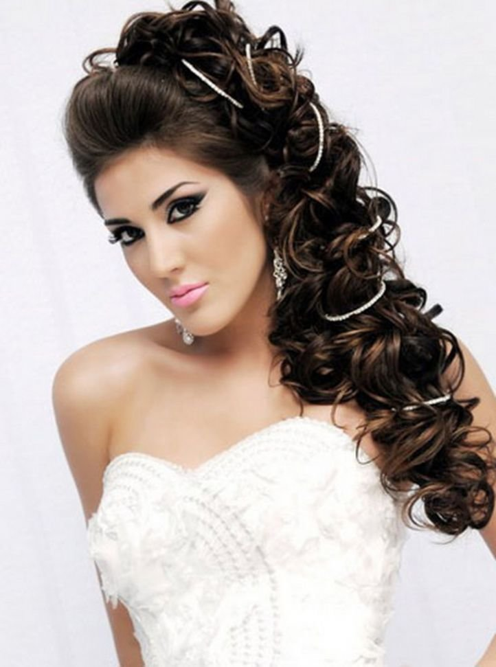 Шикарная прическа на длинные волосы фото