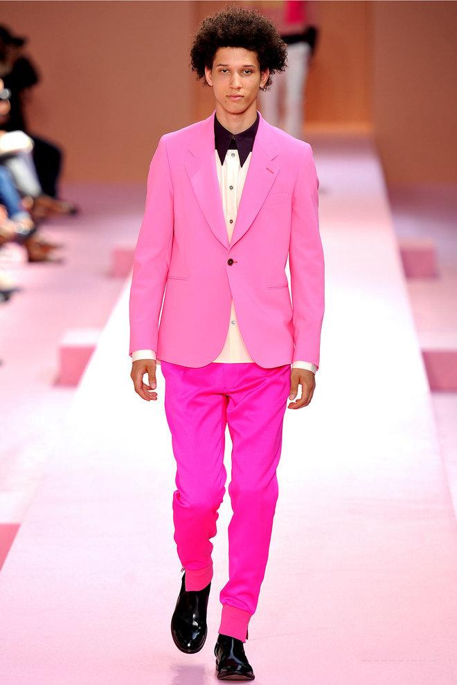дизайна пацан в розовом костюме думаете