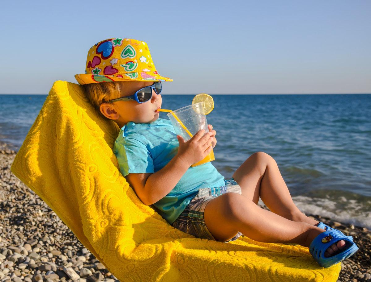 Защитнику, летом на море картинки смешные