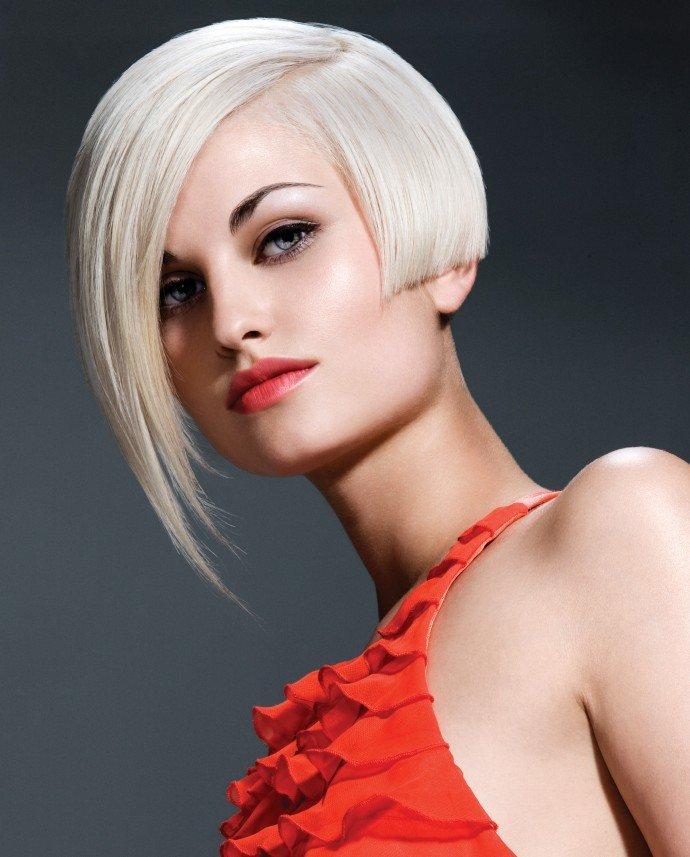 фото блондинки со стрижкой каре