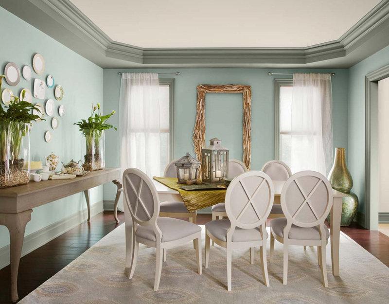 В пасмурной кухне следует сделать упор на весеннее настроение, сочетая цвет мяты с пастельным розовым, лимонным, сиреневым, нежно-голубым.
