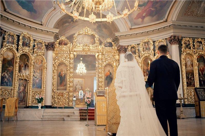 Венчание в торжественной обстановке храма
