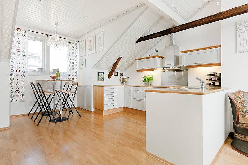 Обустройства мансардного этажа для кухни