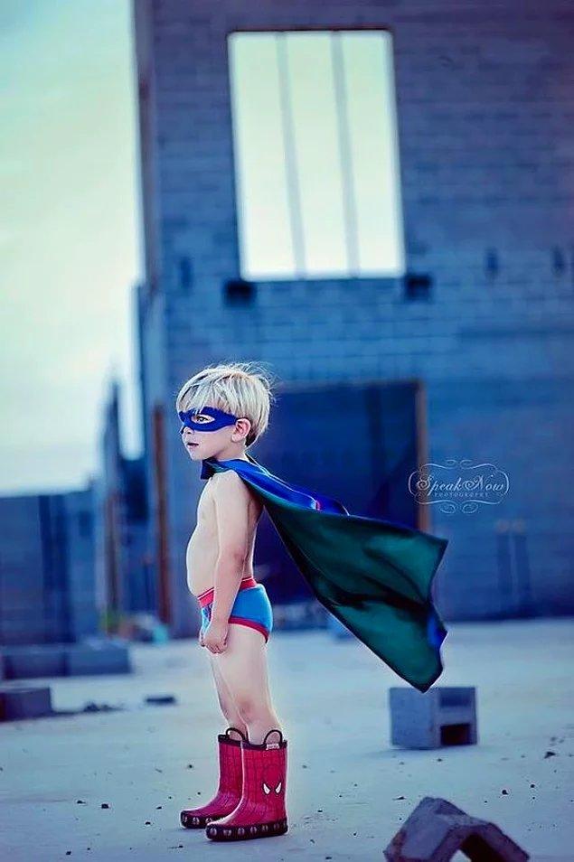 Позвольте им побыть супергероями