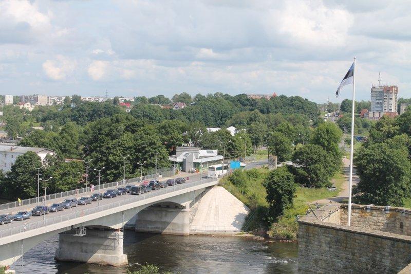 Мост через реку Нарва