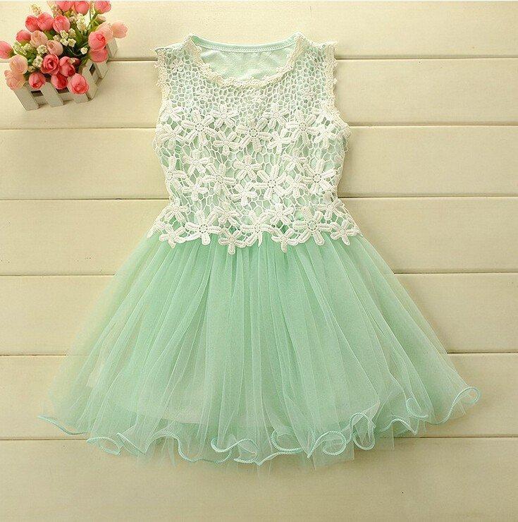 красивое платье с кружевом для девочки