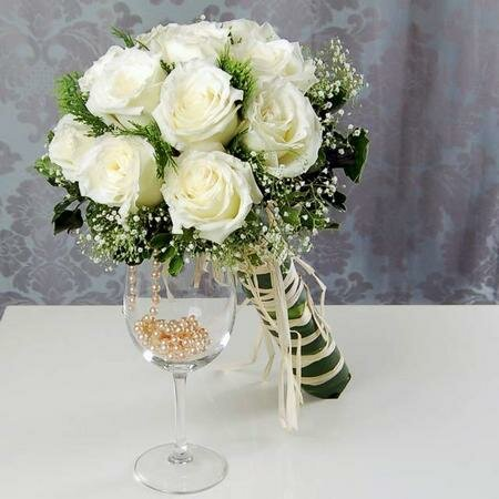 Свадебный букет - это ещё одно составляющее, без которого просто невозможно представить себе современную невесту