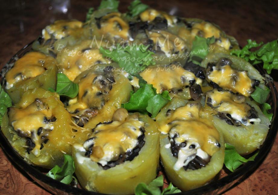 Шампиньоны фаршированные в духовке с картошкой