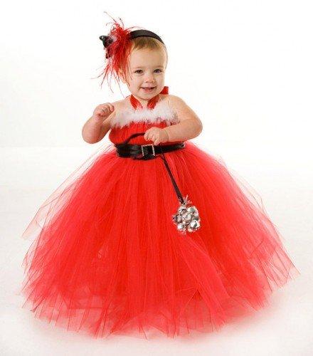 коктейльное платье, да еще и с правильно подобранными аксессуарами – даст шанс юной моднице ощутить себя дамой.