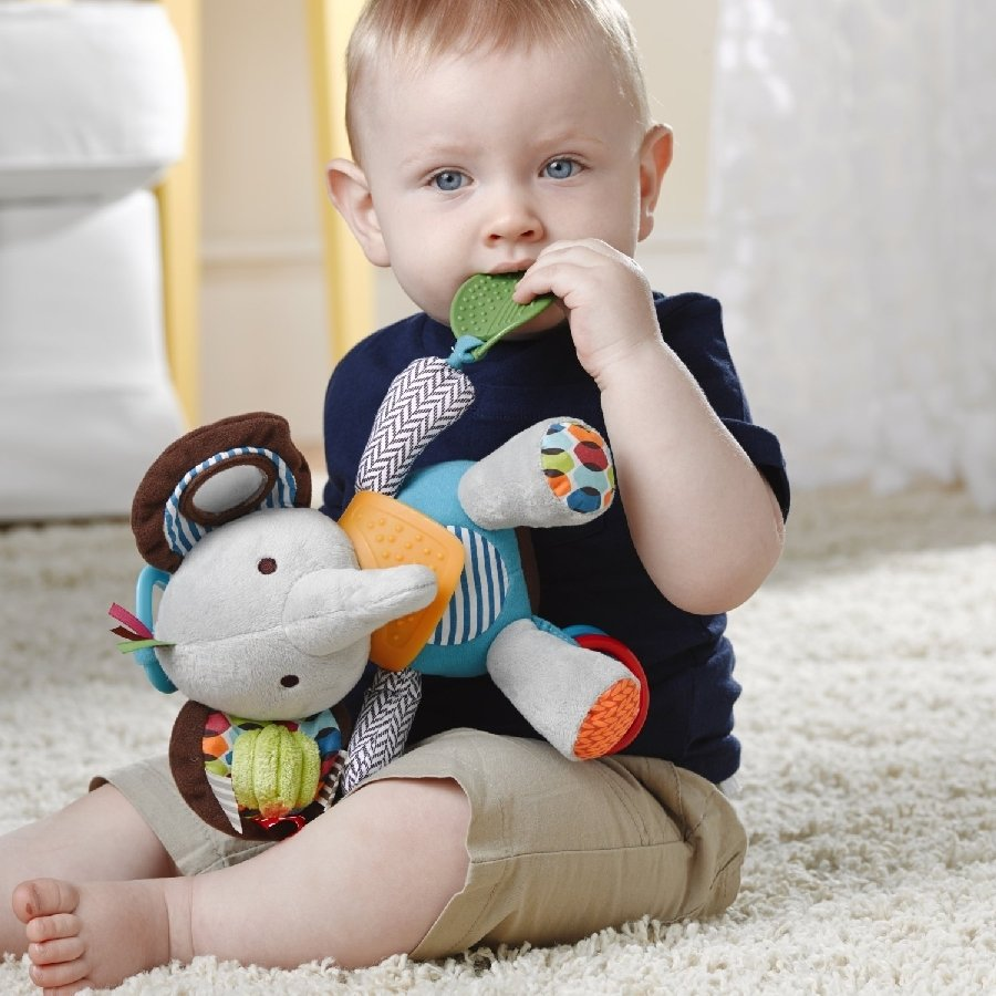 картинки с детьми с игрушками понятно, что большие