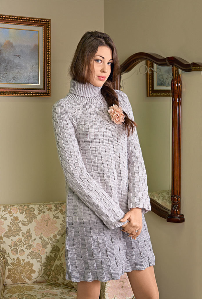 Трапециевидное платье с шахматным узором крючком