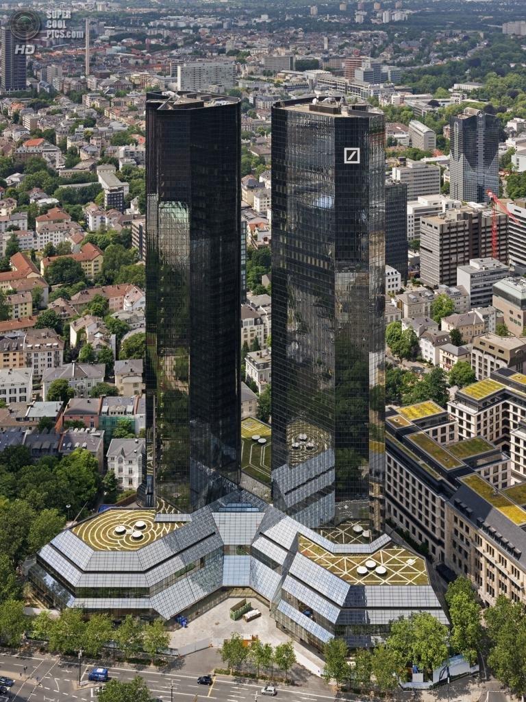 Роскошные Deutsche-Bank-Hochhaus (рус. Башни-близнецы Банка Германии) — два небоскрёба, являющиеся штаб-квартирой Банка Германии, находящиеся во Франкфурте-на-Майне, Германия. Занимают 80 место по высоте в Европе, 53 место в Евросоюзе, 11 место в Германии и 10 место во Франкфурте-на-Майне.