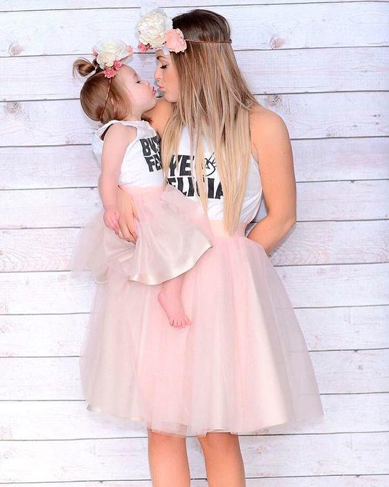 Фото мама и дочка в юбках пачках