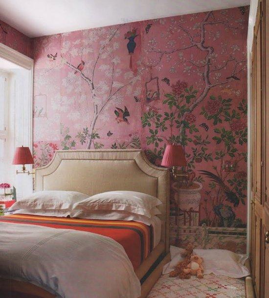 Цветочный принт – дизайнерское решение, которое всегда будет в моде. Он  будет уместен в гостиной и в спальне, в ванной и на кухне.