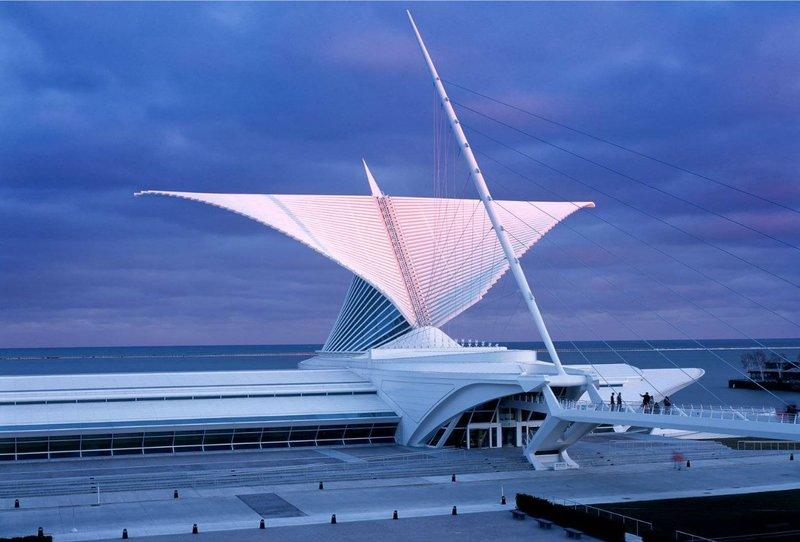 Мир полон чудес. Но сегодня мы предлагаем ознакомиться с современными чудесами - 10 лучших шедевров архитектуры нашего времени к вашему вниманию.