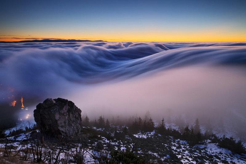 потрясающий пейзаж тумана