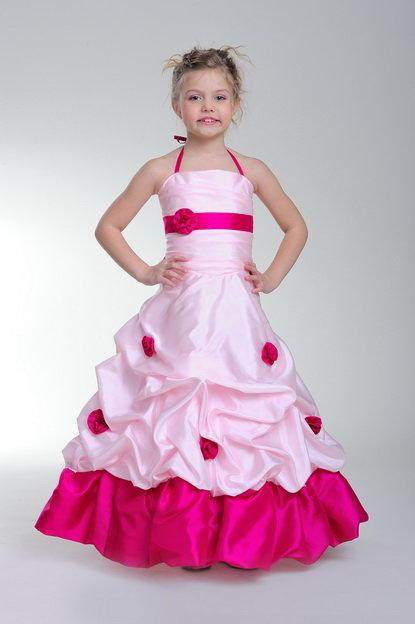 Вы ищите нарядное платье на утренник, на Новый год?