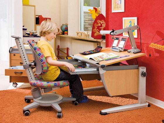 Как организовать в детской комнате место для занятий ребенка: рекомендации по обустройству
