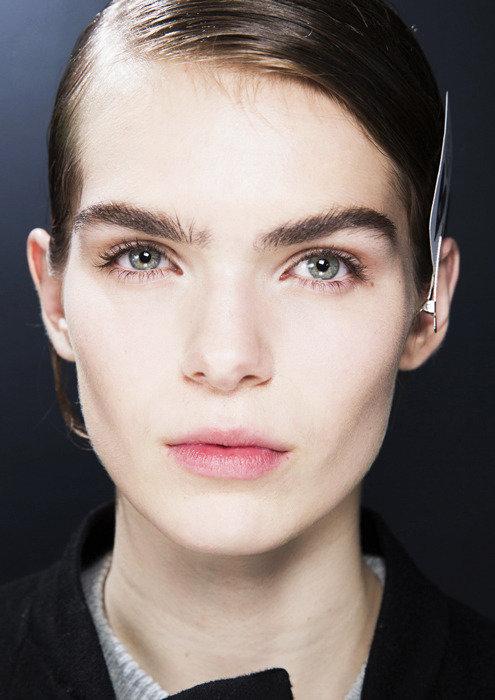 естественные брови в макияже