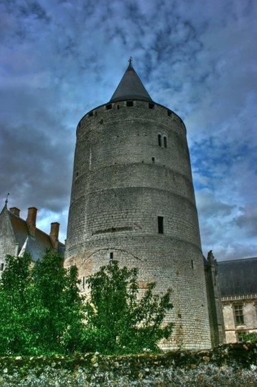 башня донжон романский стиль