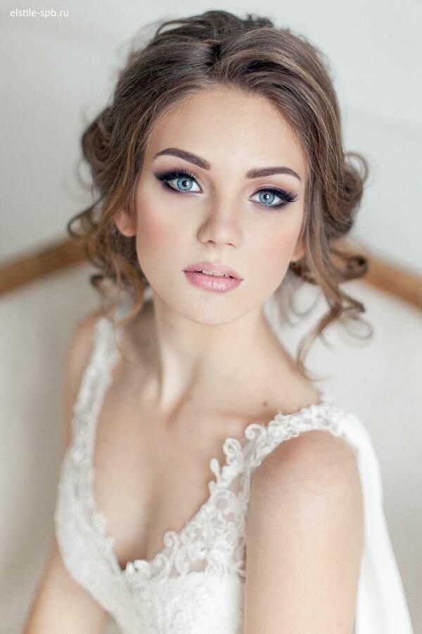 Наши стилисты выполнят для Вас лучший макияж на свадьбу. Свадебный макияж для глаз от наших профессионалов - лучшее решение в СПб